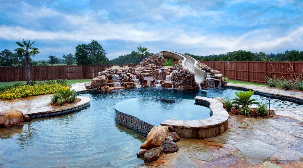 Luxury Pools Image